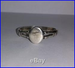 Rare 17th Century English Ladies Solid Silver Ring c1700