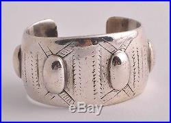 Vintage Bedouin Egyptian solid silver cuff bracelet